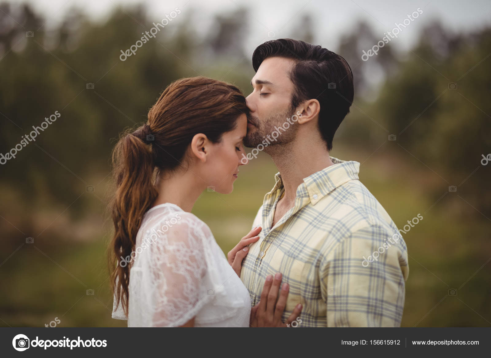 How soon to kiss girl when dating