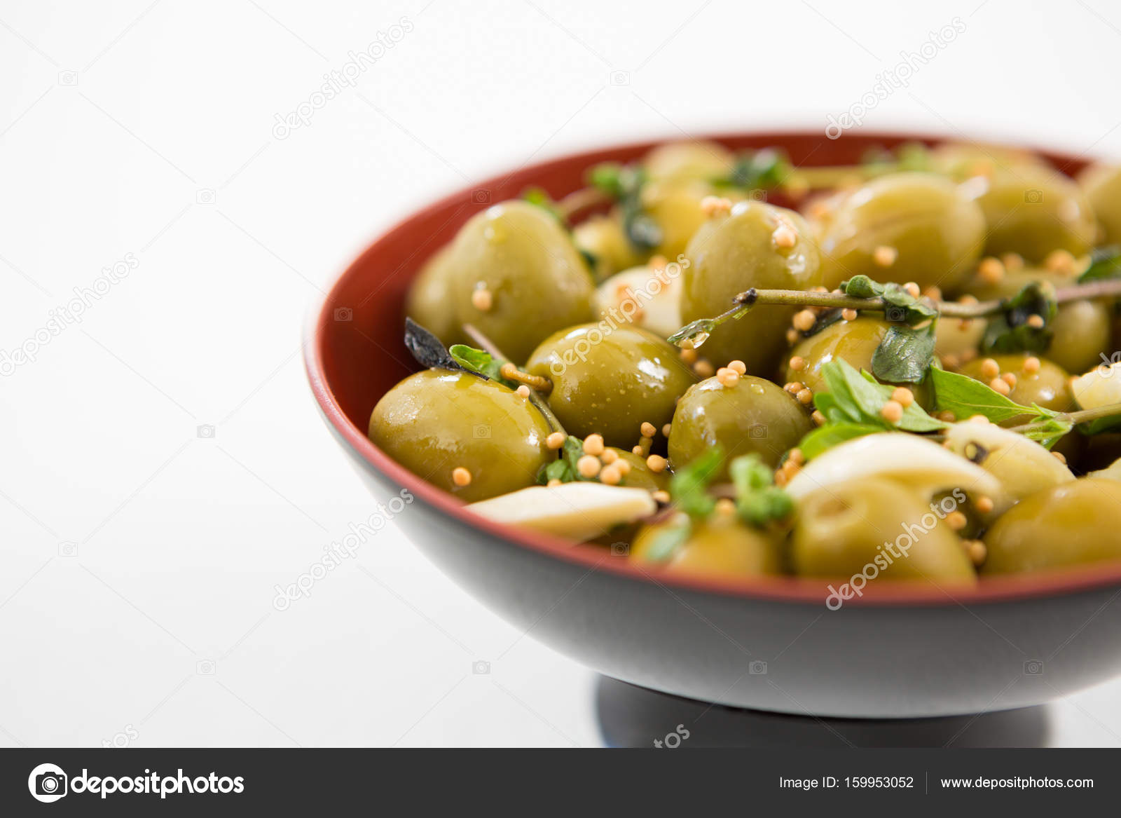 how to make garlic marinated olives