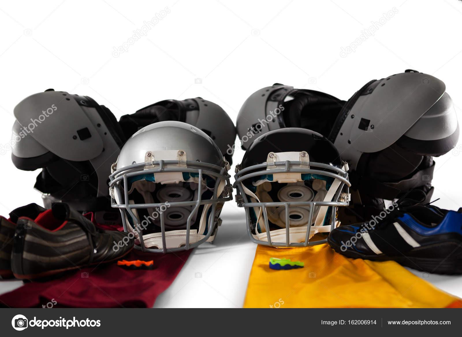 Brustschutz mit Sport Getriebe — Stockfoto © Wavebreakmedia