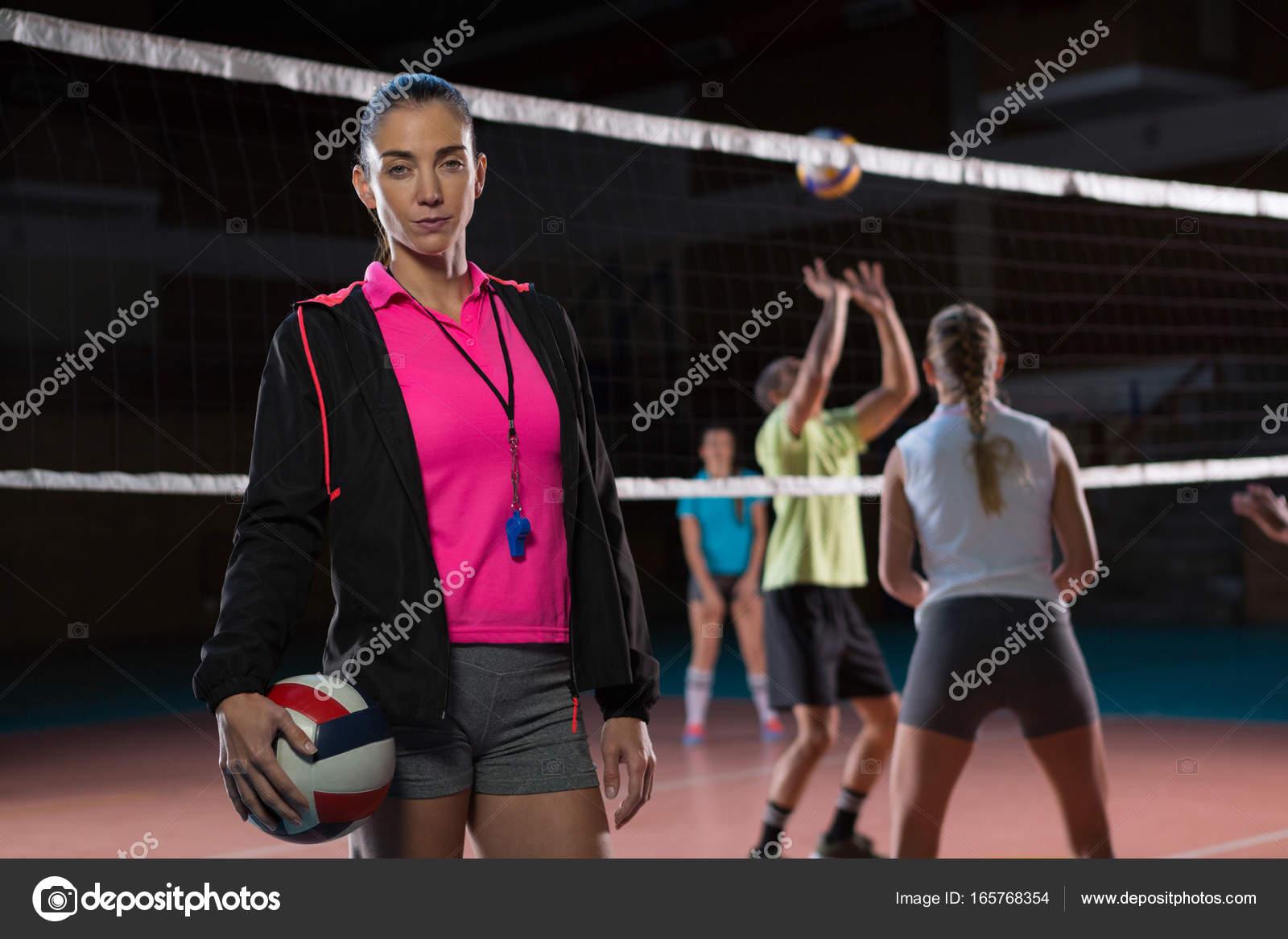 Imágenes Voleibol Femenil Con Frases Retrato De Entrenador De