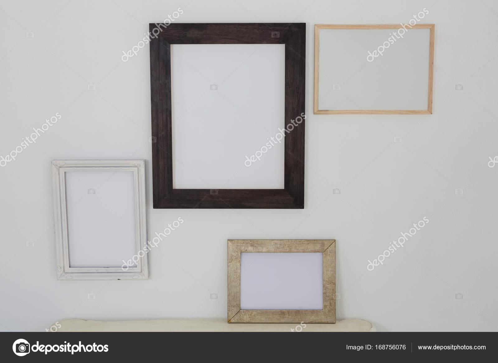 marcos de colgar en la pared — Fotos de Stock © Wavebreakmedia ...