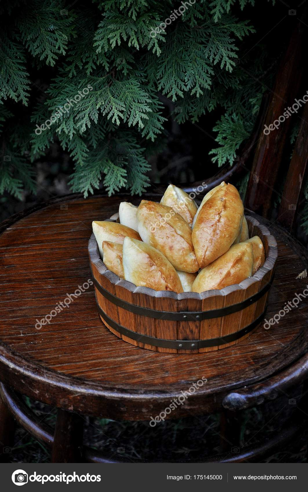 Russian Patties Apples Wooden Tub Wooden Chair — Stock Photo ...