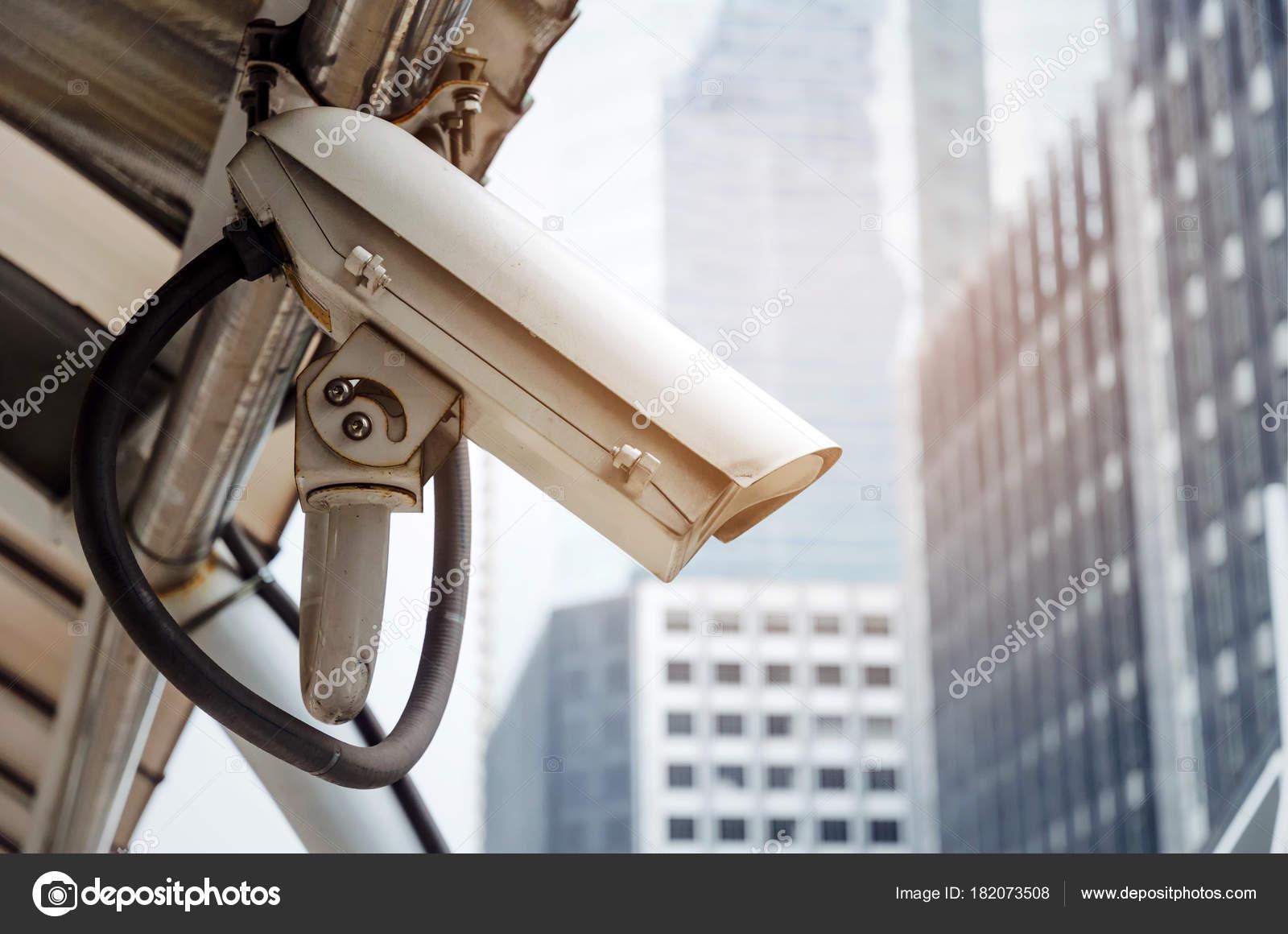 CCTV, sistema de câmera de segurança operando na cidade moderna construção  de plano de fundo, segurança vigilância, conexão de rede de internet, live  view, ... bae5be5e48