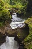 Davis Falls è una cascata che si trova a Pokhara nel distretto di Kaski