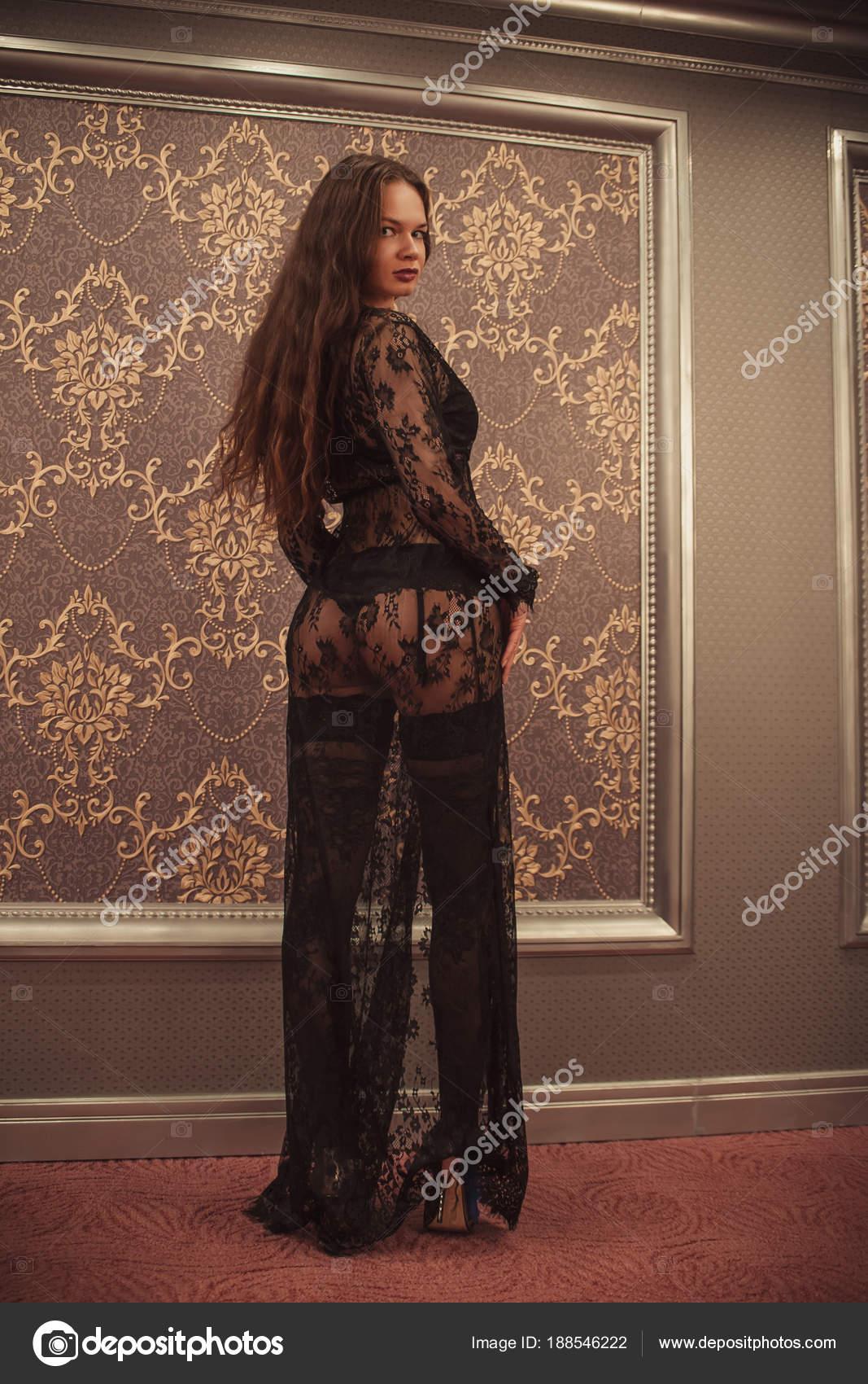 Glamour Frau In Transparente Kleidung Stockfoto C Igorkovalcuk