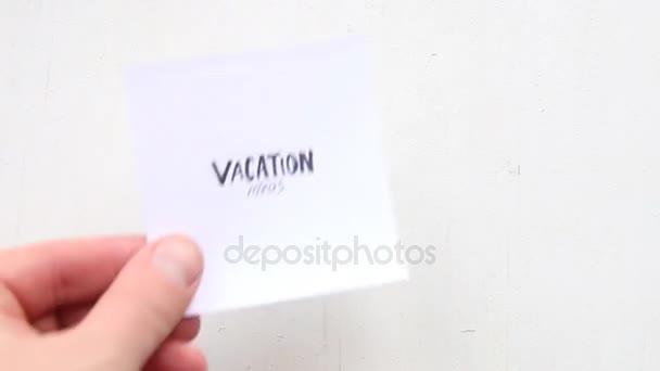 Dovolená myšlenek textu, nápis na papíře