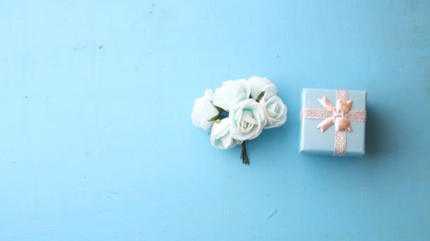 dárková krabička s růží