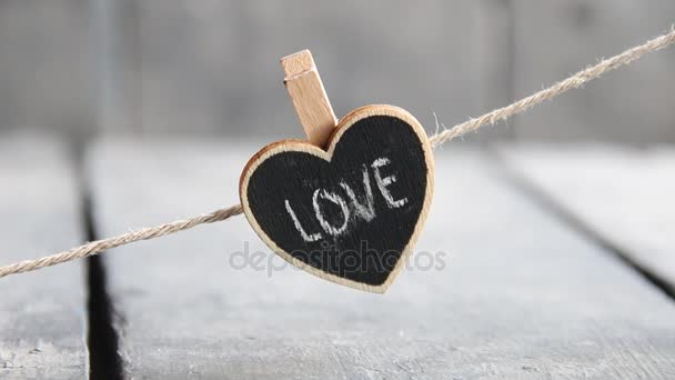 Liebe und Valentinstag Idee mit Herz. Verschwommene Foto für den Retro-Stil