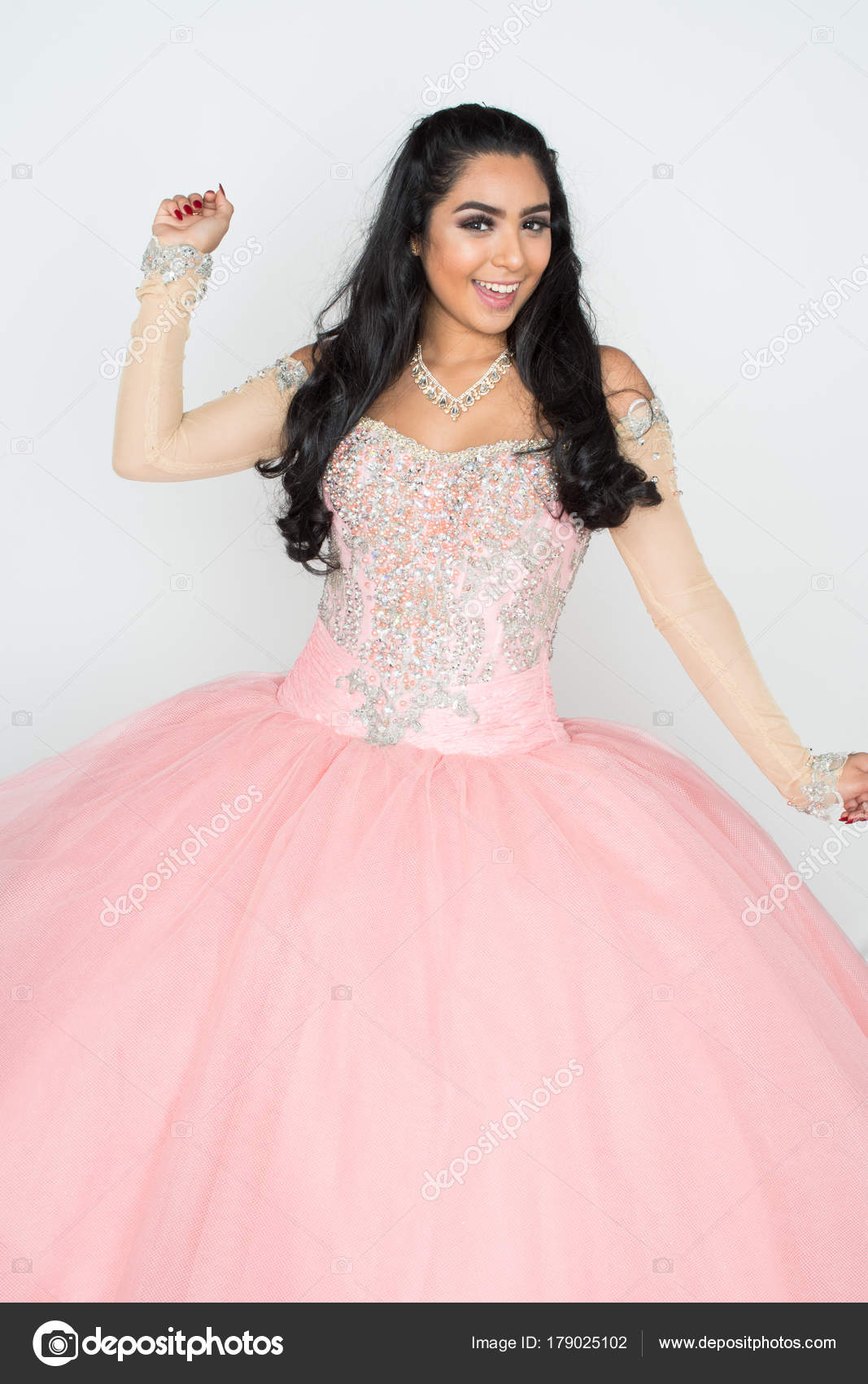 Teen en vestido de baile — Fotos de Stock © rmarmion #179025102