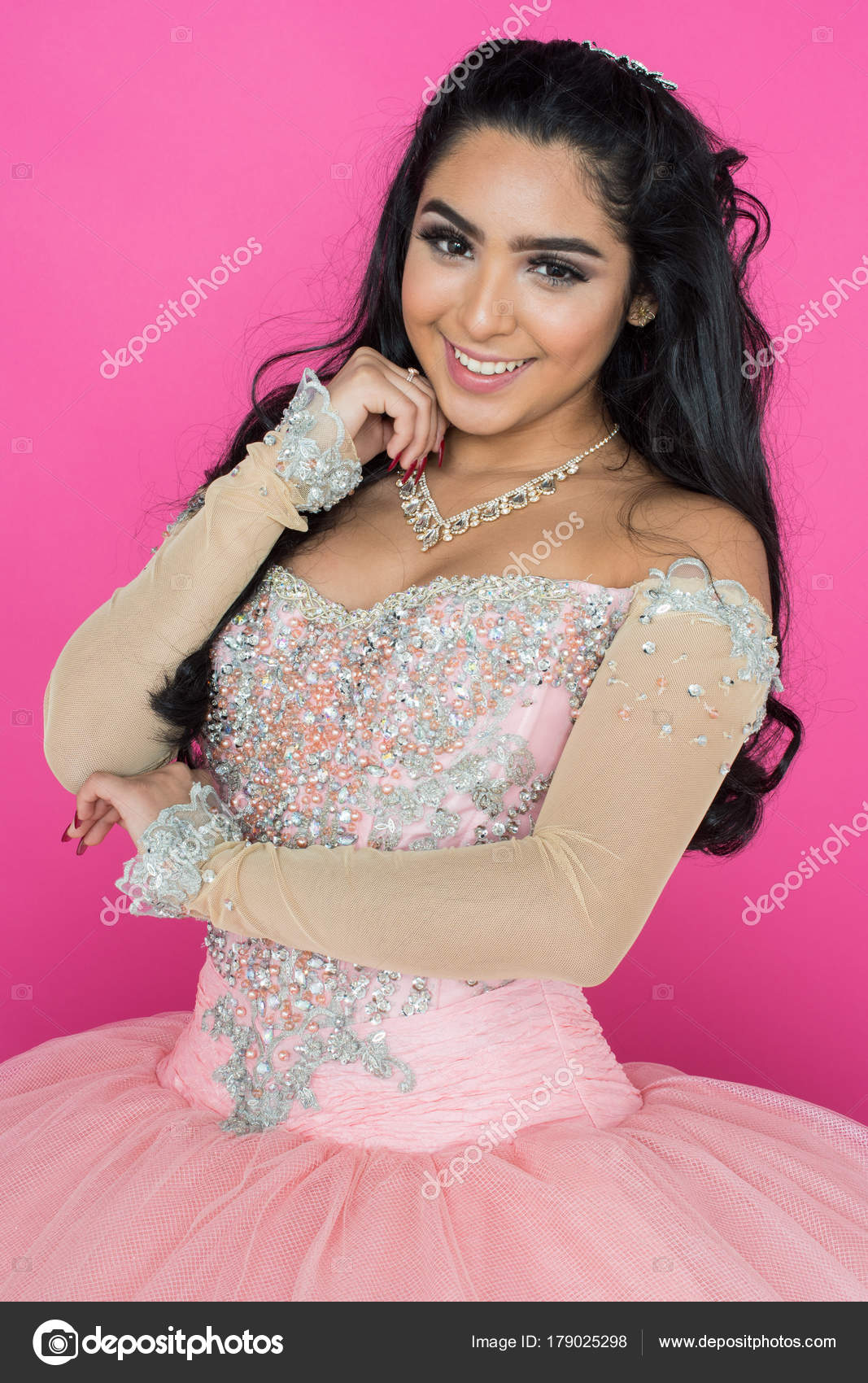 Teen en vestido de baile — Fotos de Stock © rmarmion #179025298