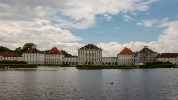 Zeitraffer des Nymphenburger Schlosses, einem Barockschloss in München, Bayern, Deutschland
