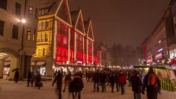Zeitraffer der geschmückten Weihnachtsstraßen in München