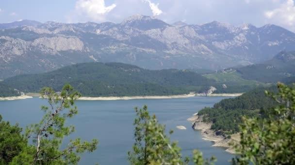 krása přírody krajina skály pohoří taurus v Turecku antalya