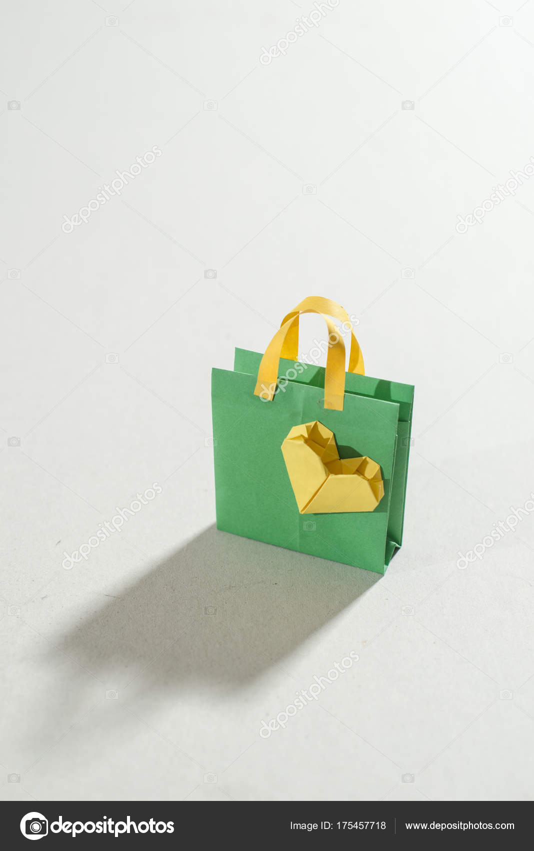 Shopping Bag Origami Stock Photo Degimages 175457718