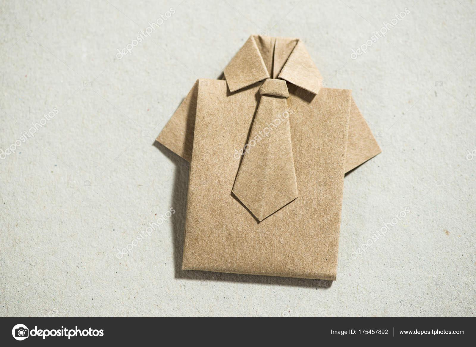 Сорочка орігамі папері — Стокове фото — білий © degimages  175457892 aa896de3a19ef