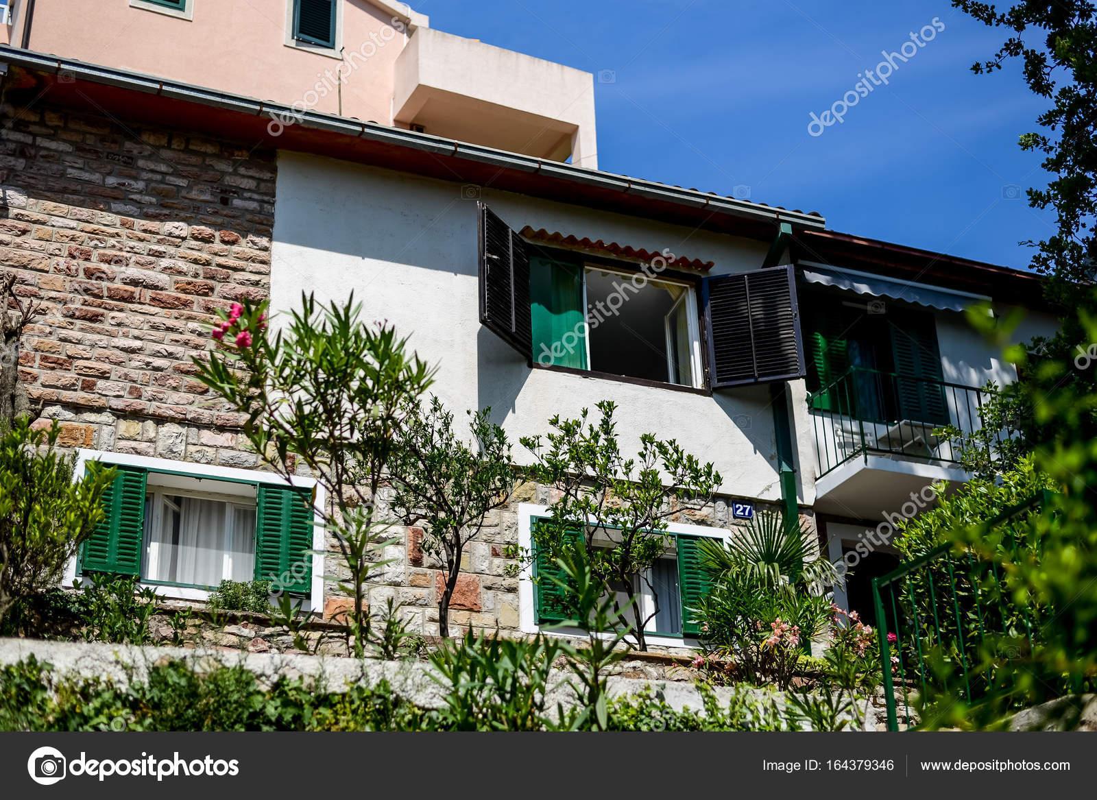 Montenegro Landhaus Architektur Stockfoto C Kadrby 164379346