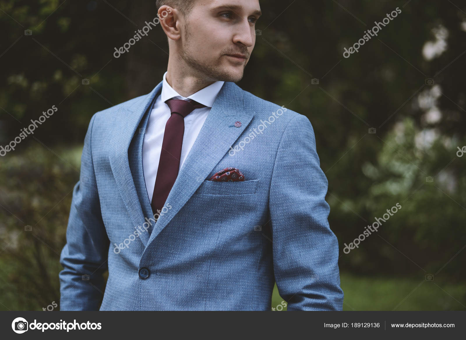 Young Groom Suit Wedding — Stock Photo © kadrby #189129136