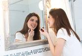 Krásná mladá žena make-up