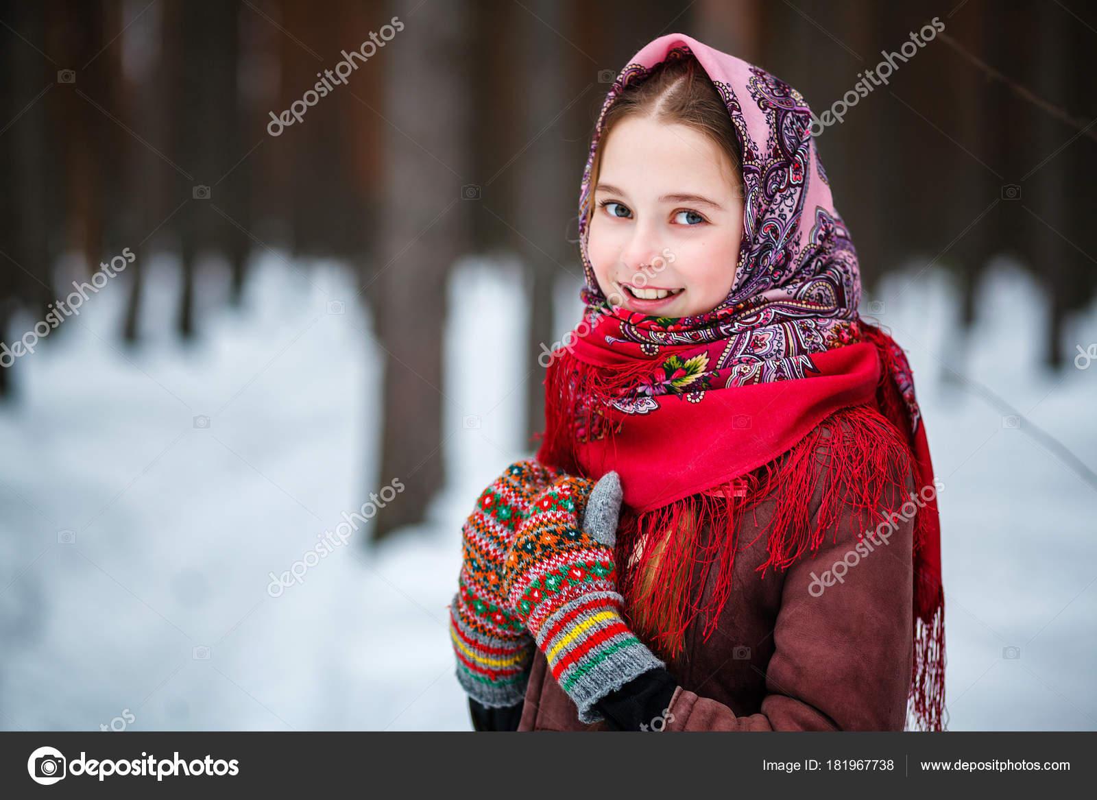 v-russkom-lesu-devushki-foto