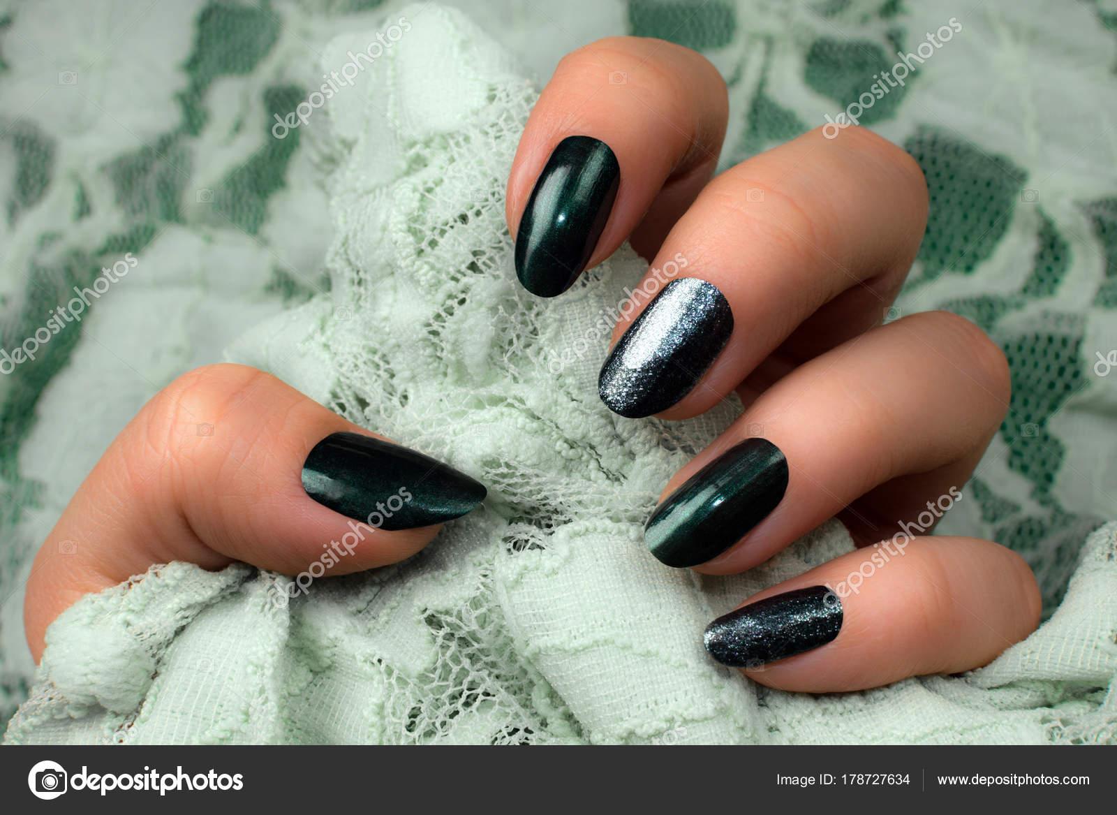 dark green nails manicure — Stock Photo © gyurma #178727634