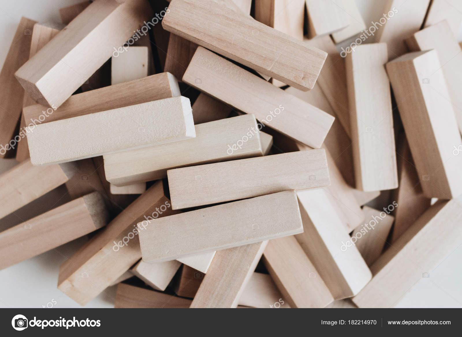 Monton Bloques Pequenos Madera Para Juego Mesa Jenga Fotos De
