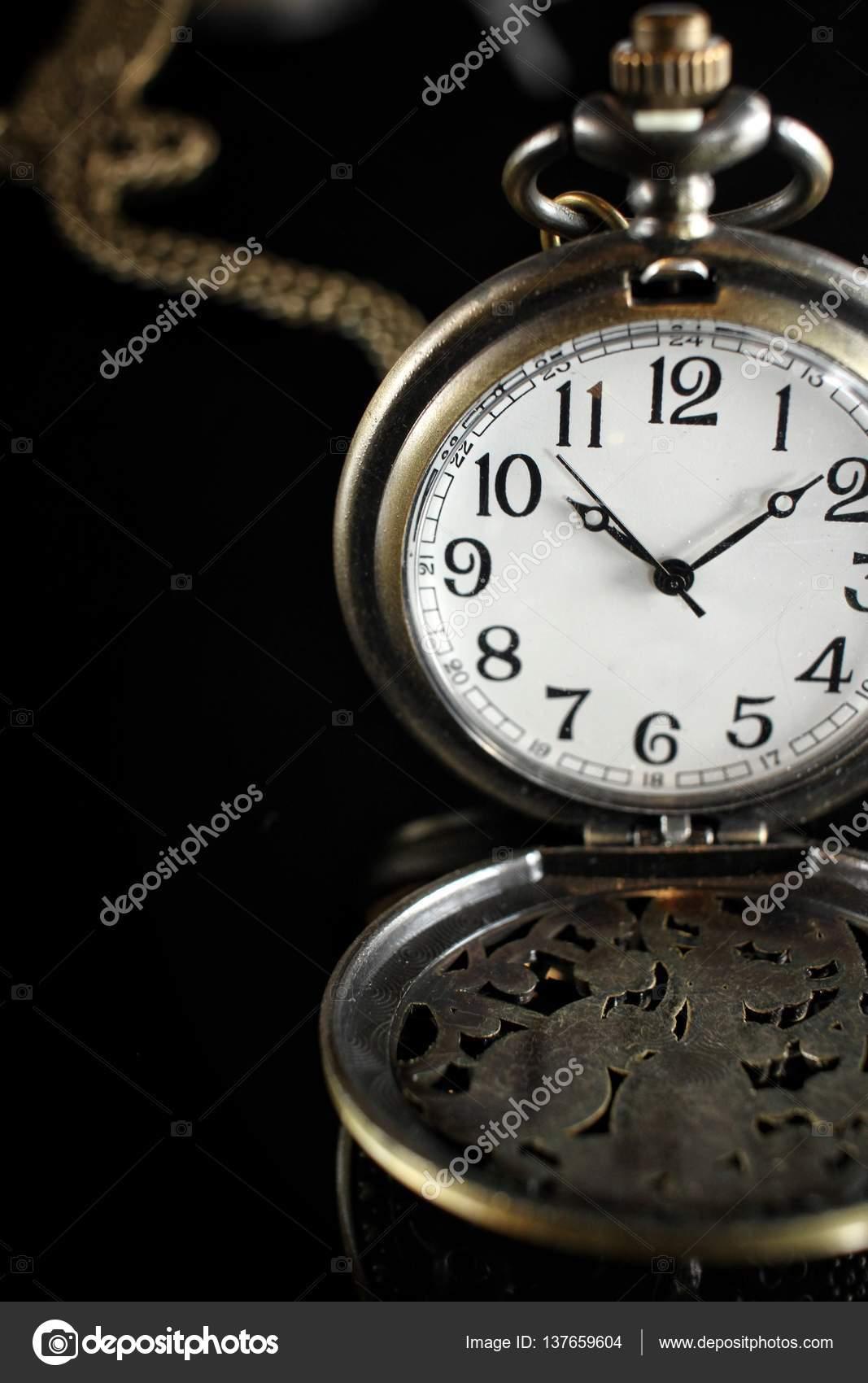 Vintage Ρολόι τσέπης — Φωτογραφία Αρχείου © luknaja  137659604 7d56bc2d42b