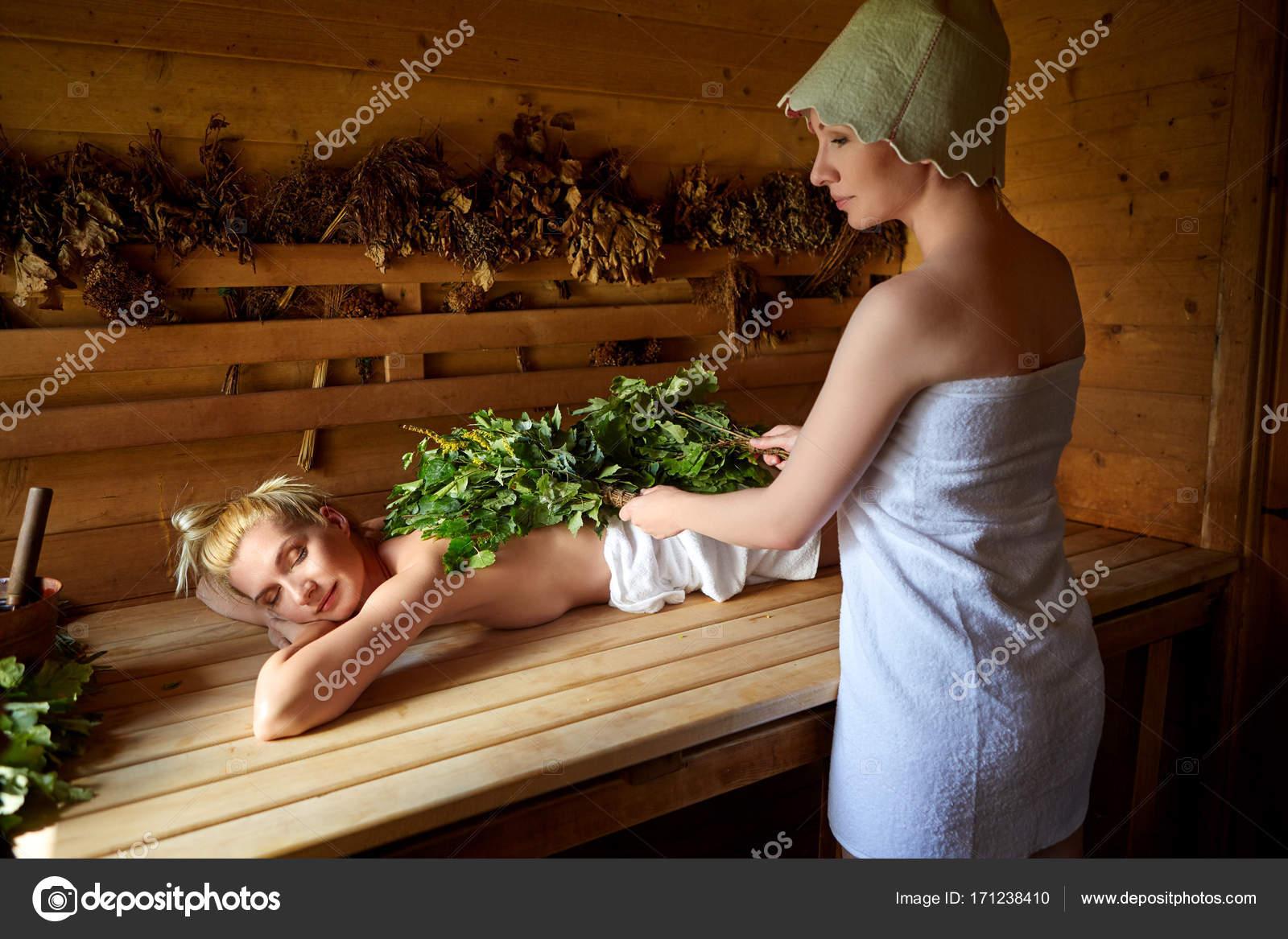 nevesta-v-saune-foto-rizhenkaya-devushka-porno-foto