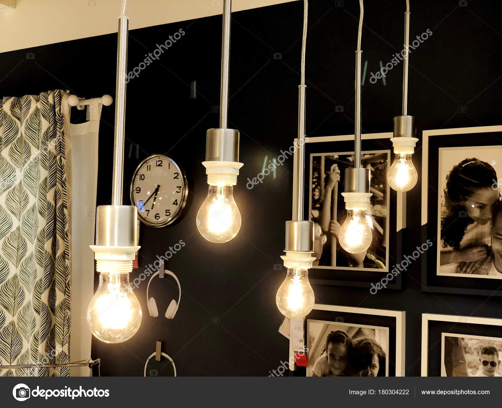 Moderne Lampen 16 : Rishon le zion israel 16. dezember 2017: moderne glühbirne lampe