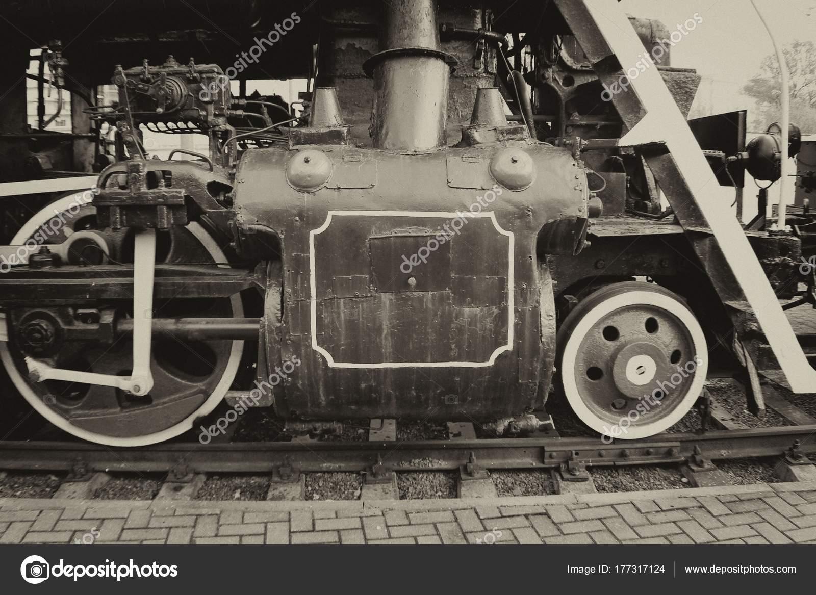 Old Train Mechanism Wheels — Stock Photo © igrekoni #177317124