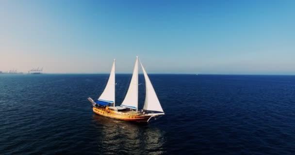 Letecký pohled na Palinuro Plachetnice na moři