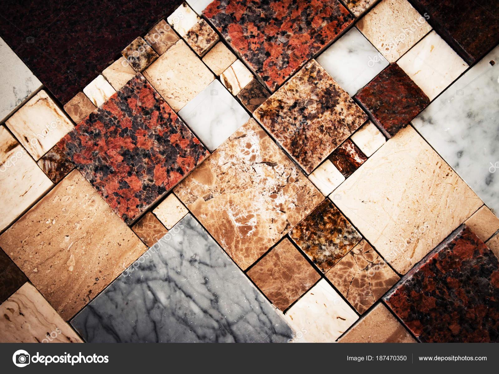 Mosaico con piastrelle in marmo u foto stock ahojdoma