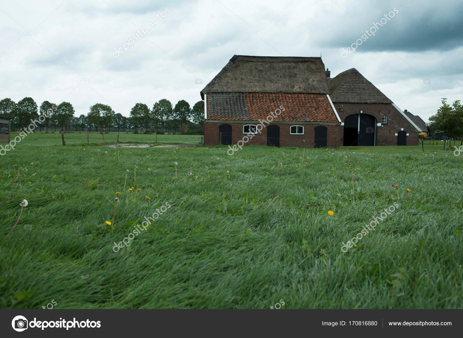 De Oude Boerderij : De oude boerderij overdijkink die lang bewoond is door de familie