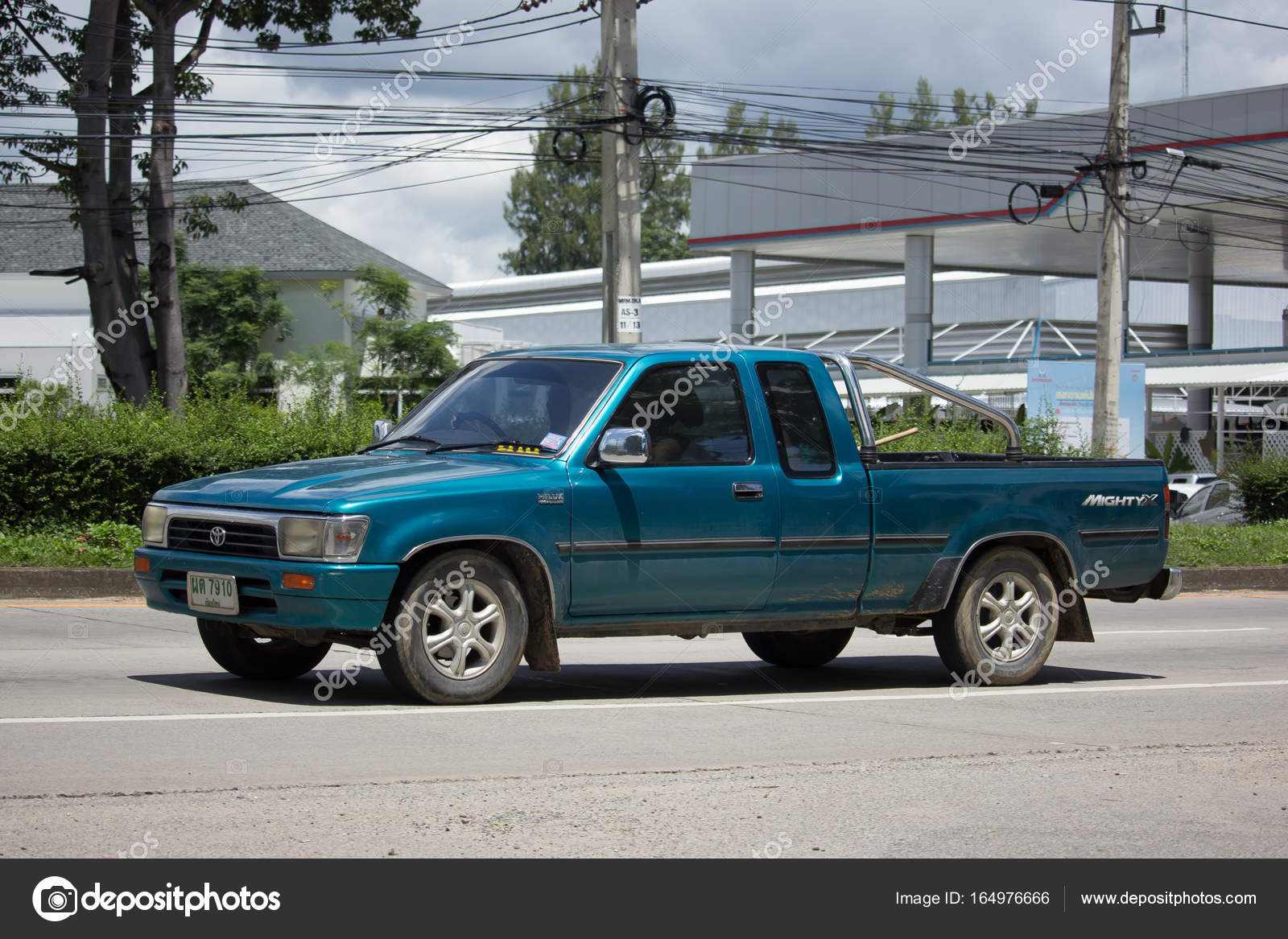 Private Old Pickup Car Toyota Hilux Mighty X Stock Editorial Photo C Nitinut380 164976666