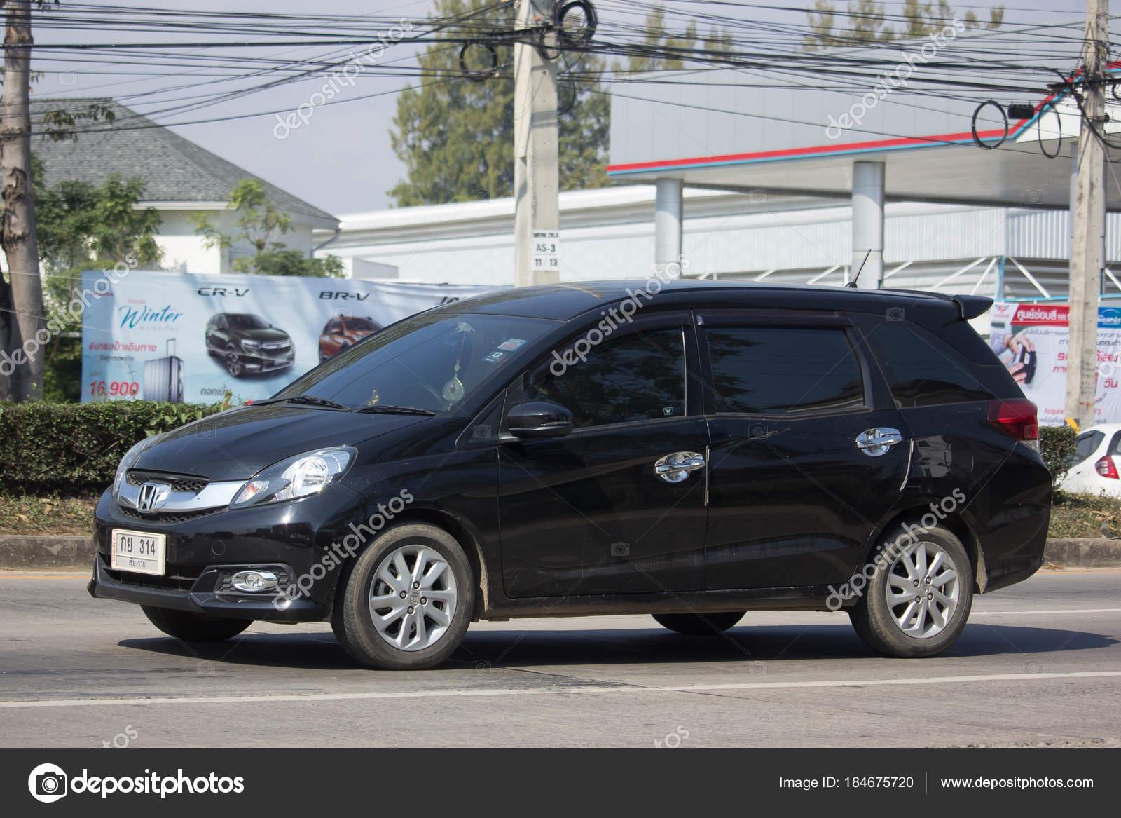 Chiang Mai Thailande 16 Janvier 2018 Van Prive Honda Mobilio Photo En Route No121 Environ 8 Km Du Centre Ville De Image