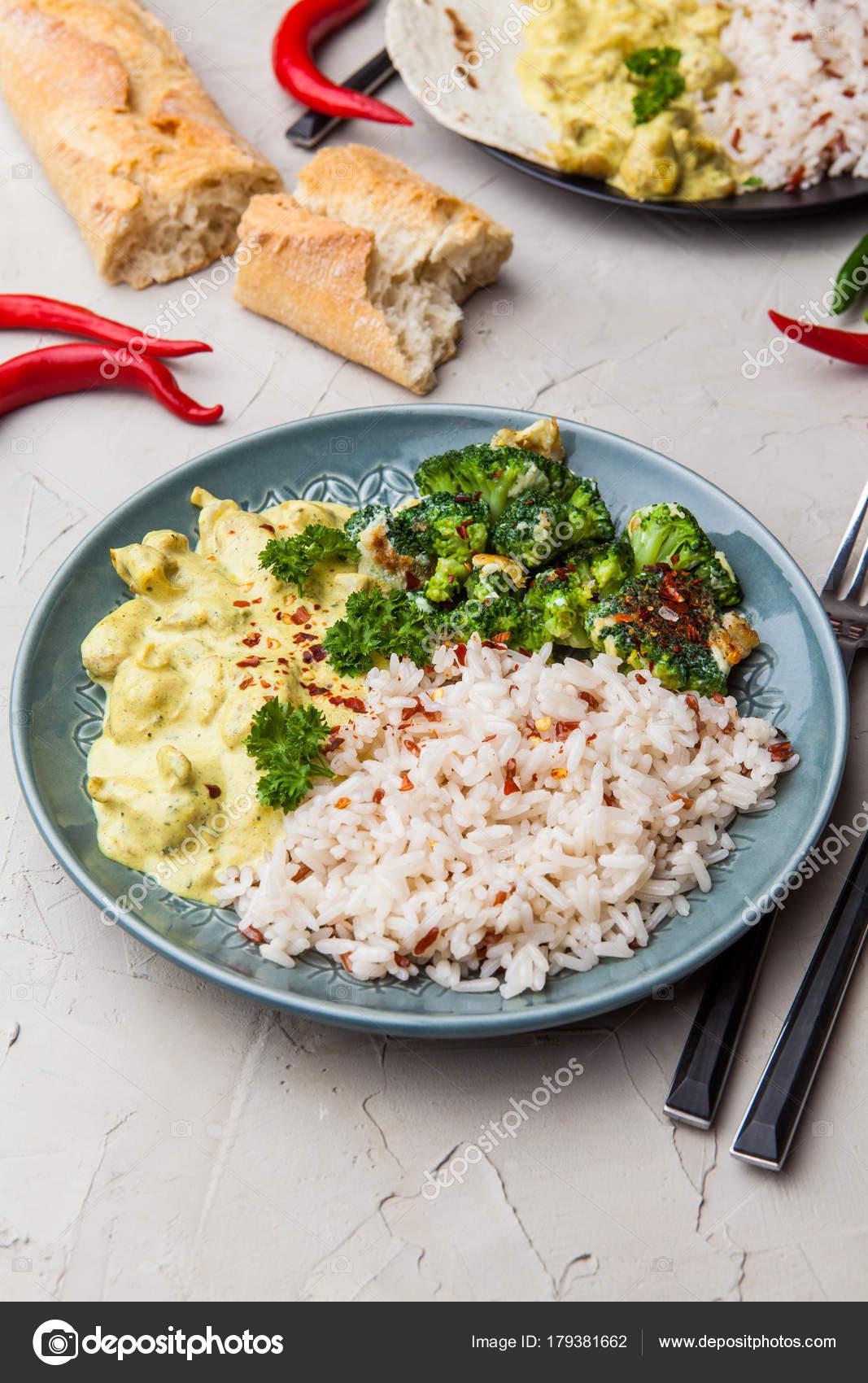 Handgemachte Chicken Tikka Masala mit Basmati-Reis und Brocco curry ...