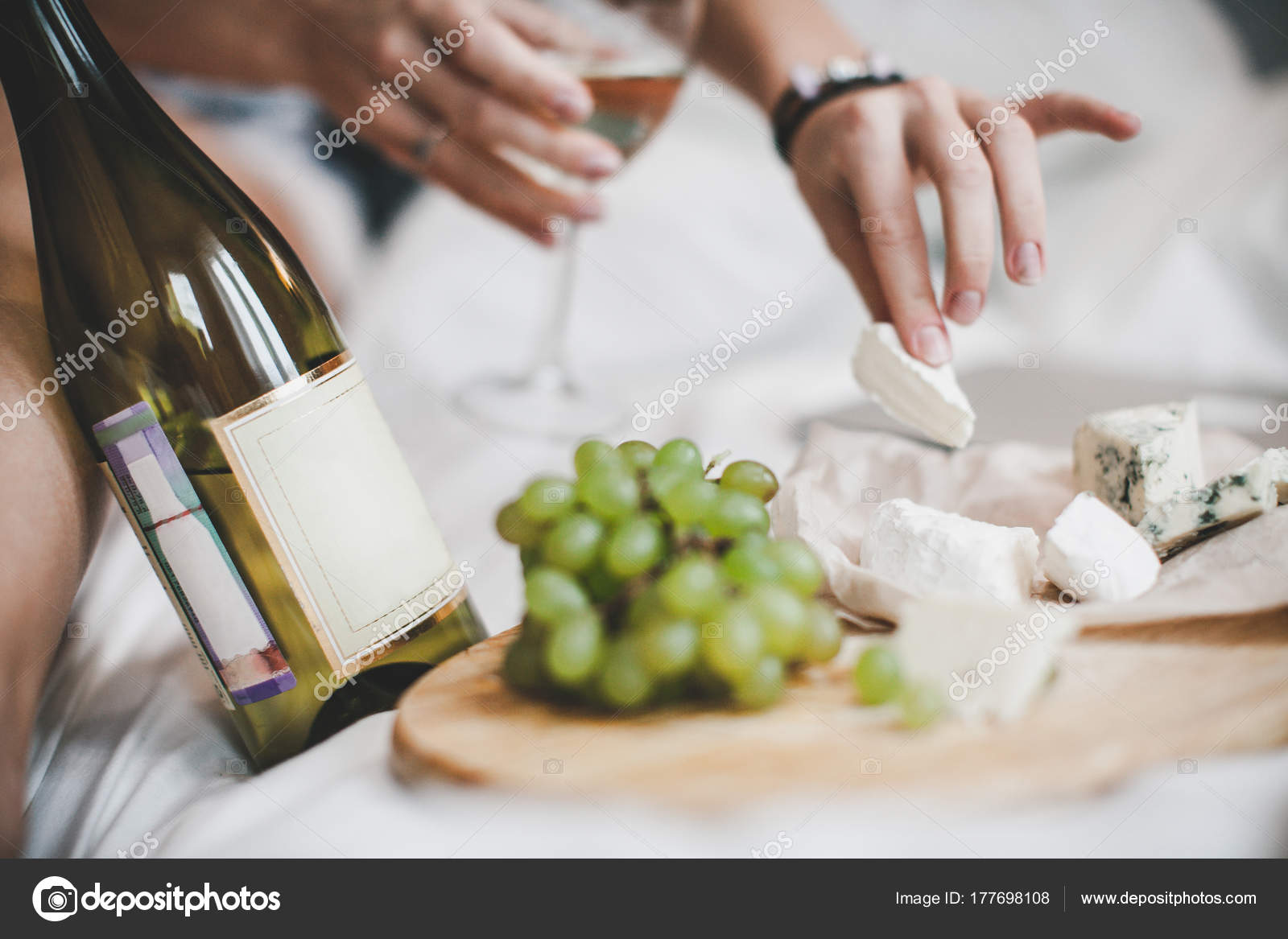Grapes Bottle White Wine Cheese Plate Lunch Bedroom \u2014 Stock Photo & Grapes Bottle White Wine Cheese Plate Lunch Bedroom \u2014 Stock Photo ...
