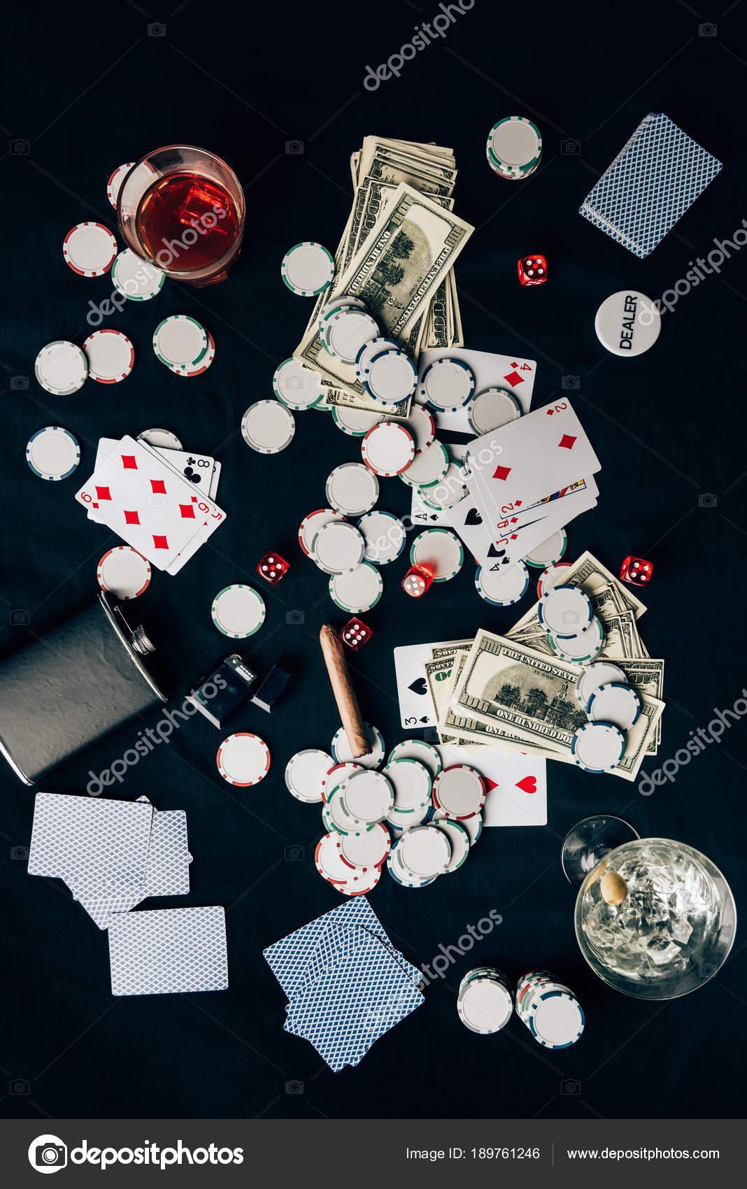 Juego Dado Alcohol Concepto Juego Con Alcohol Mesa Casino Con