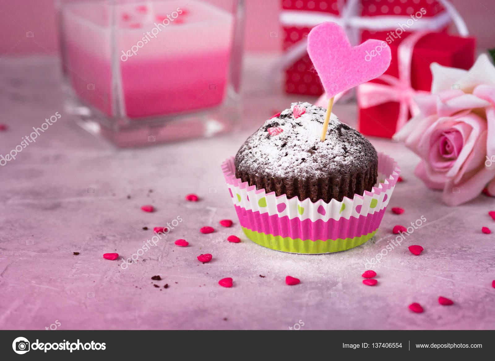 Fondo De Pantalla Dia De San Valentin Regalo Con Rosa: Fondo Del Día De San Valentín. Flores, Regalos Y