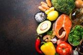Vyvážená strava potravin pozadí.