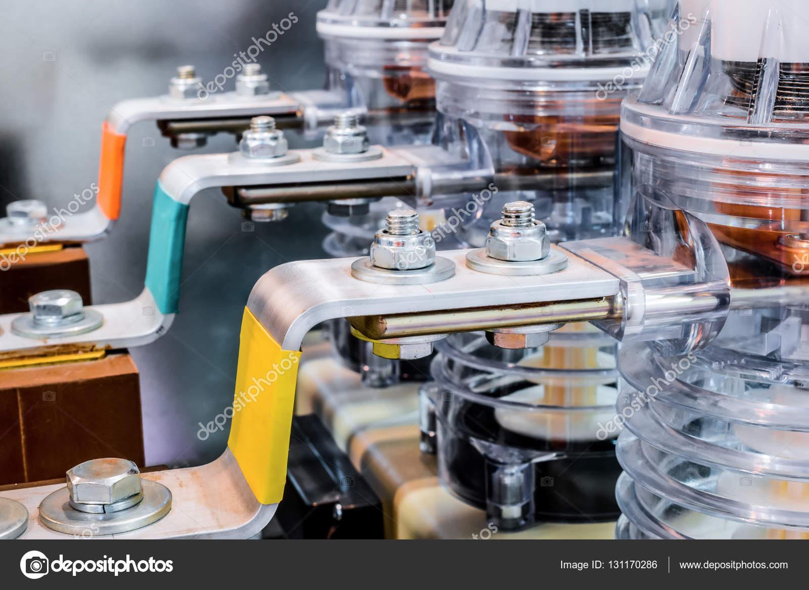 Relativ Aluminium Stromschienen, Verschrauben die spannungsführenden Teile HJ81
