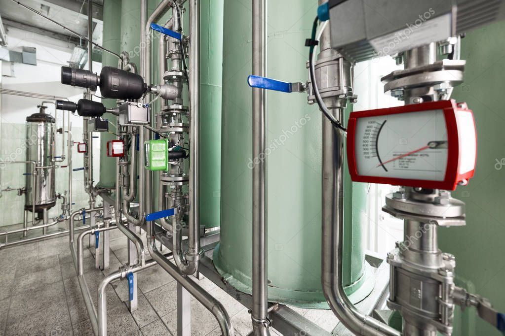 Measuring instruments in the pipeline system of filtering equipment.