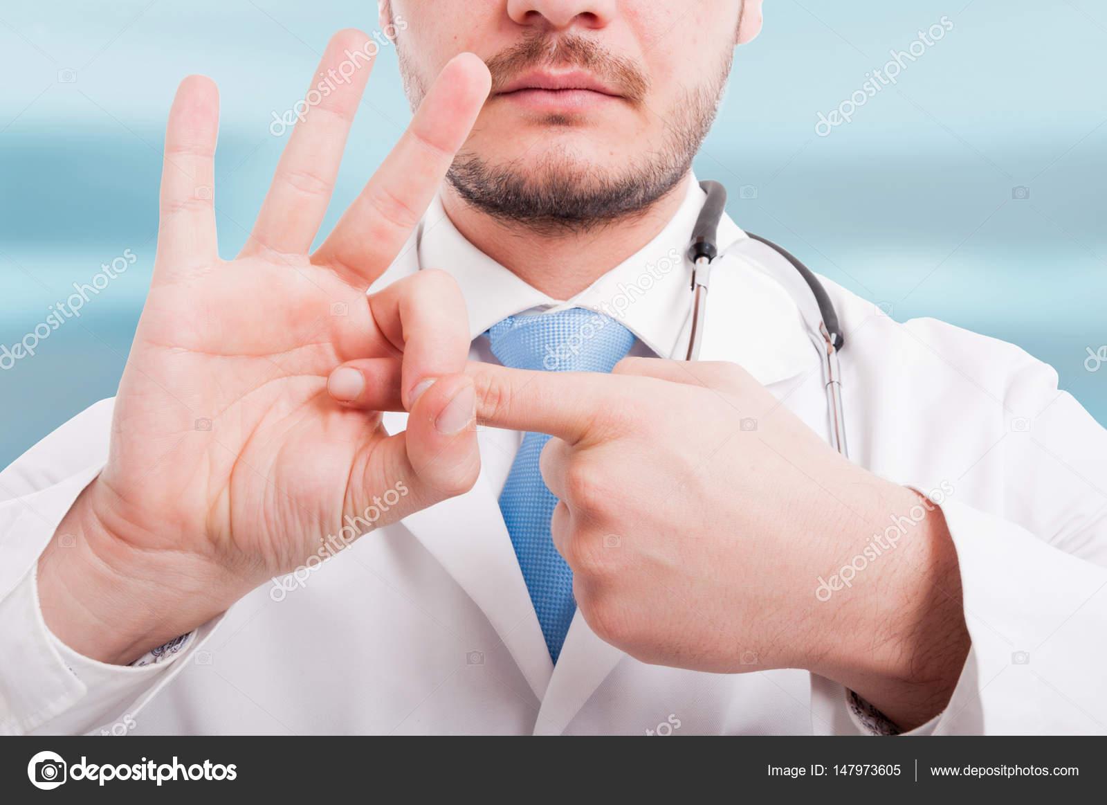 Фото крупный план у гинеколога, девушки в капроновых колготках фото