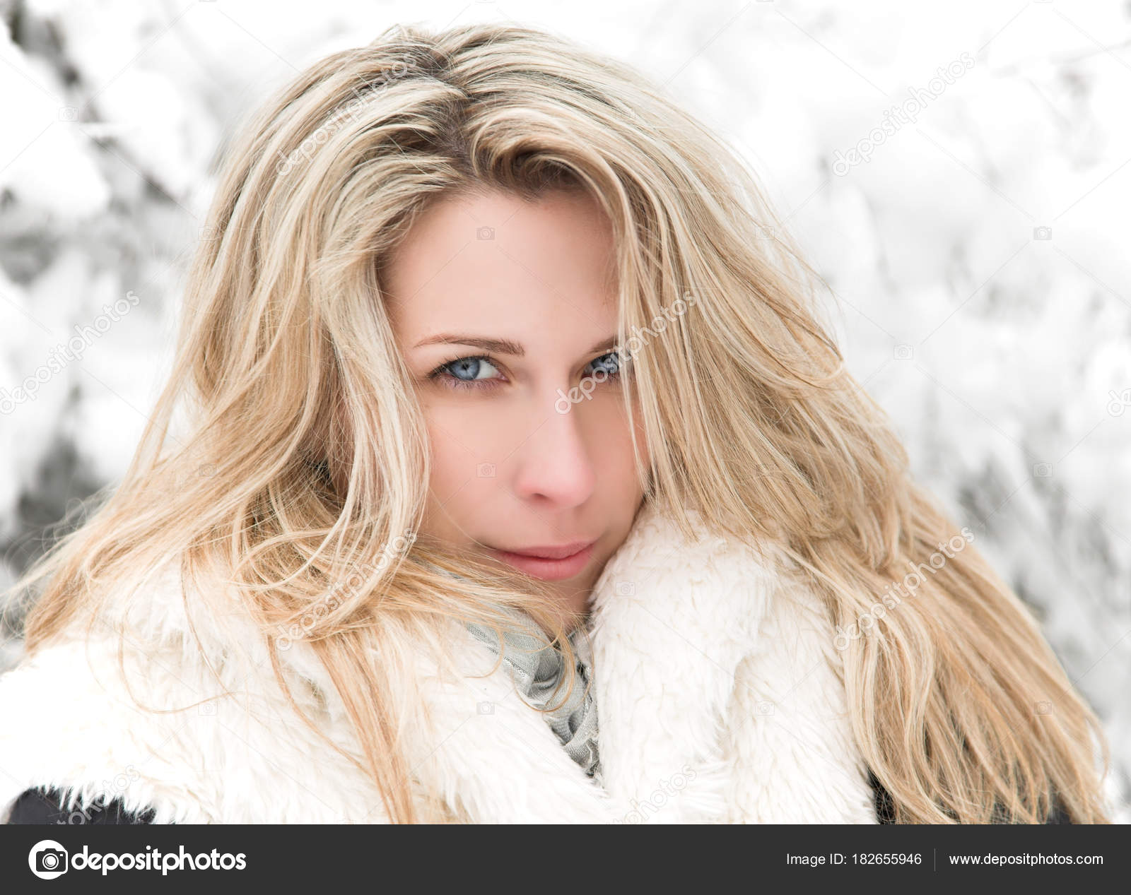 perepihnulis-zimoy-s-blondinkoy