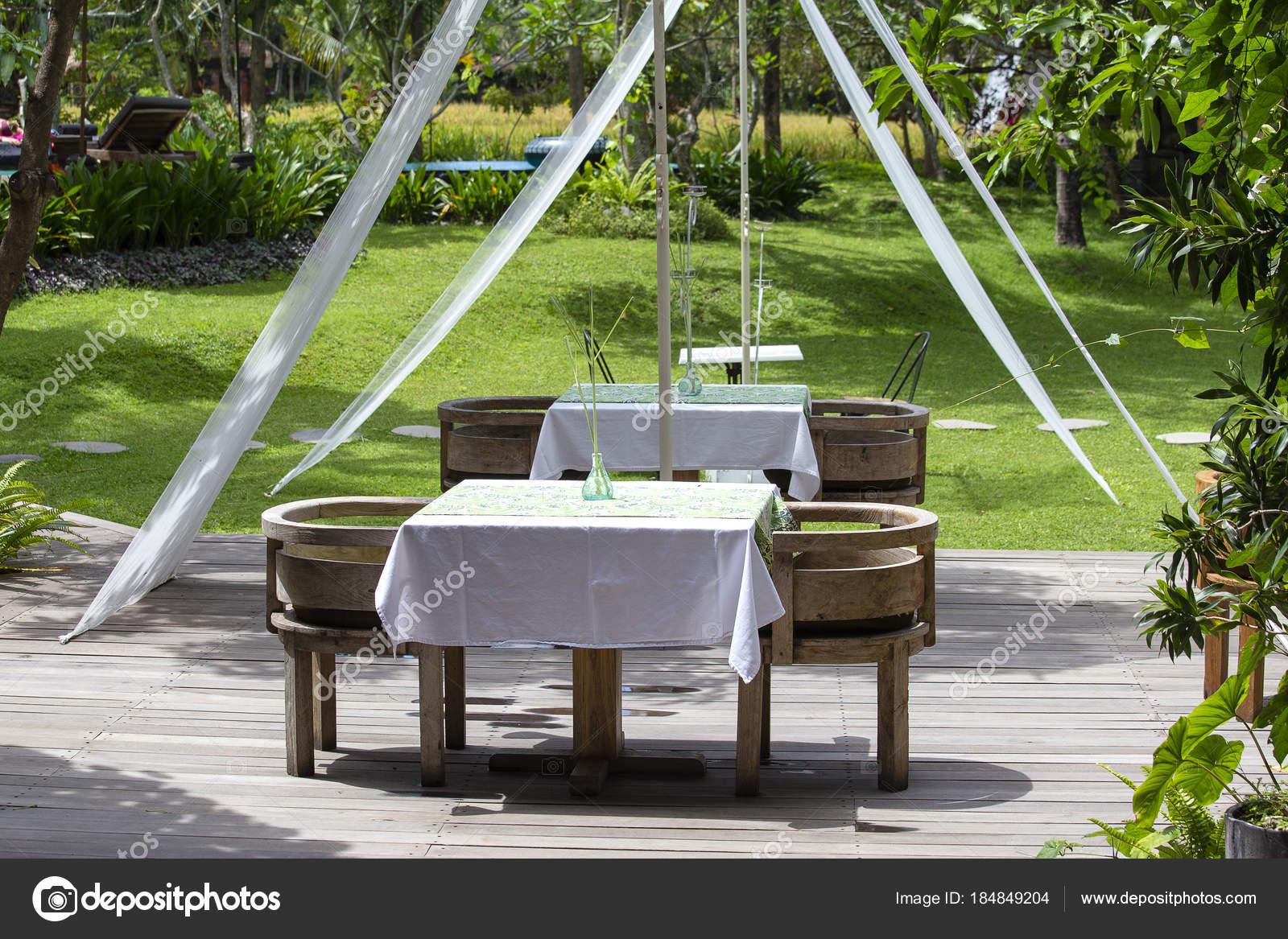 Und Tisch Stühle UbudIndonesien Im Tropischen GartenInsel Bali 6Ybf7gyv