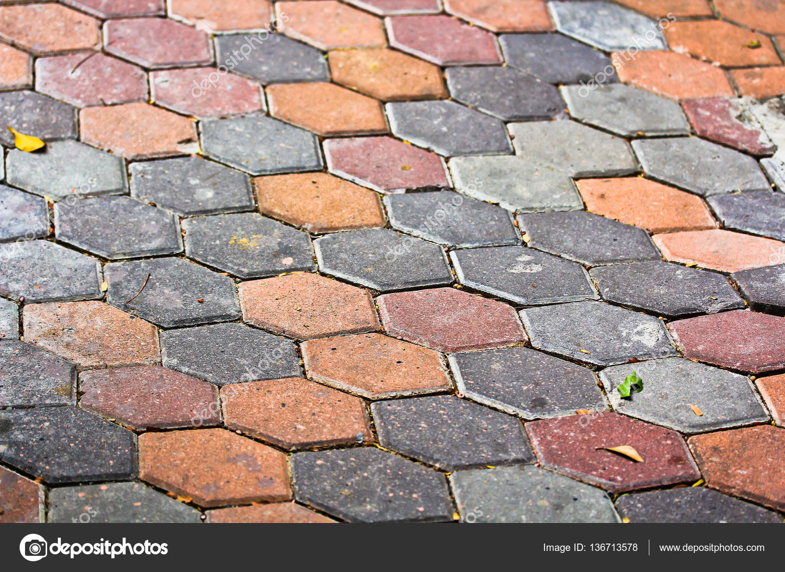 Fußboden Aus Alten Ziegeln ~ Nahaufnahme der ziegel fußboden u2014 stockfoto © deerphoto #136713578