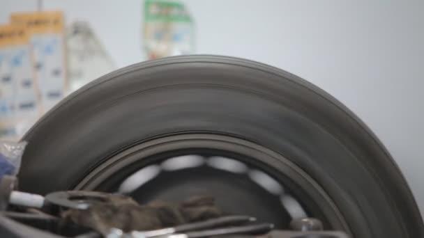 Mechanická přesnost odstřeďování vyvážení po výměně pneumatik