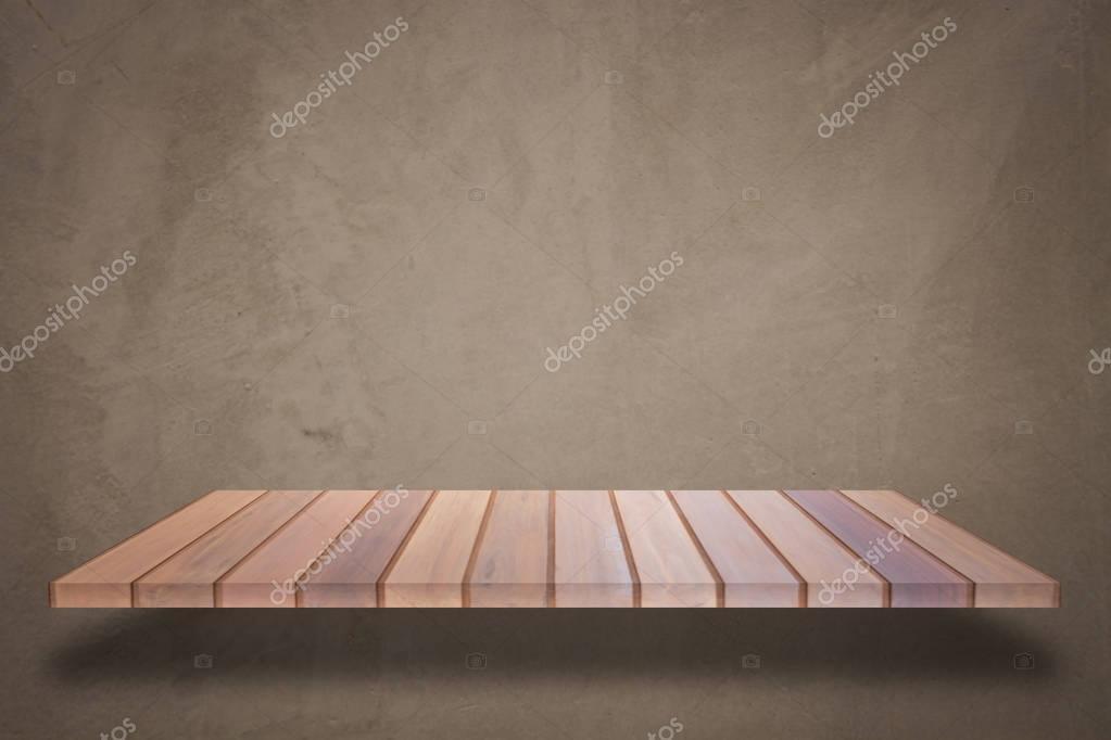 Mensola In Legno Superiore Vuota Con Sfondo Di Muro Di Cemento