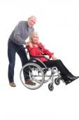 Fotografie glückliche Großmutter und Großvater vor einem weißen Hintergrund