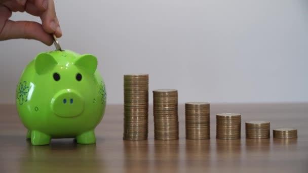 Pénzt takaríthatunk meg a malacka bank