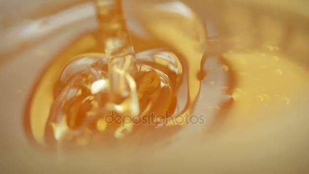 Zlatý med detail